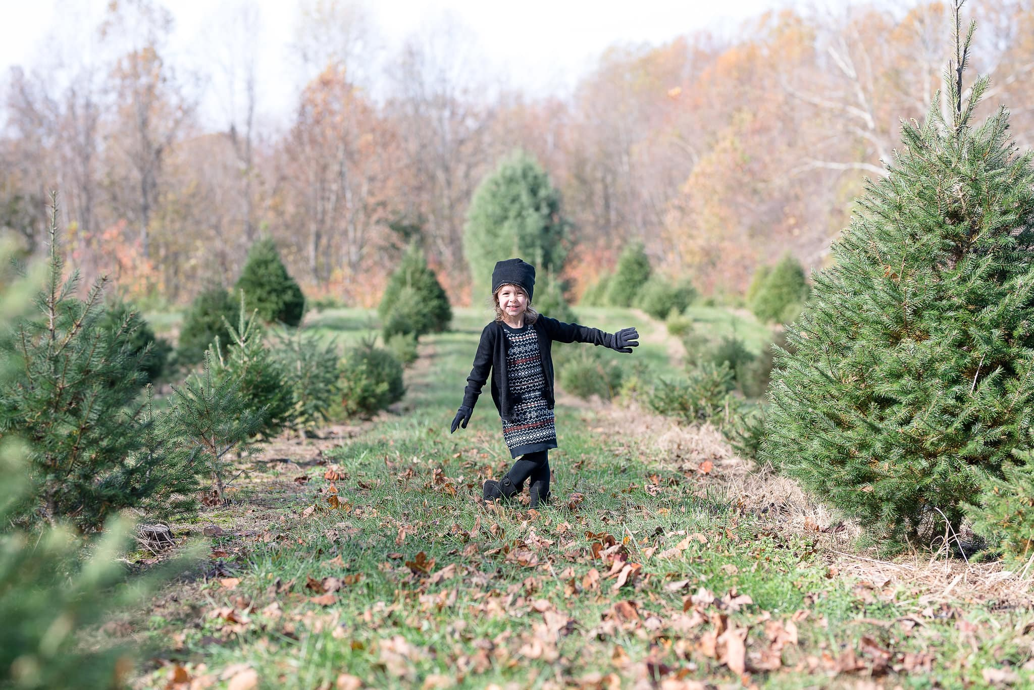 Calvert County Family Photographer | Christmas Tree Farm Minis