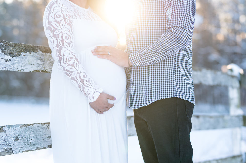 Santos Snow Maternity Session | Washington, DC Area Maternity Photographer