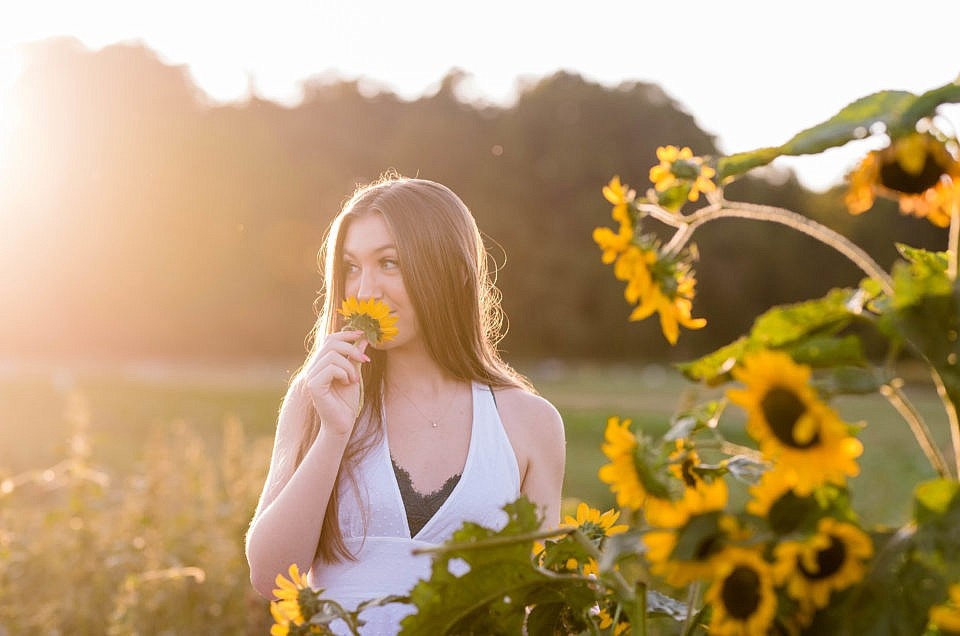 Sunflower Senior Session | Southern Maryland Photographer