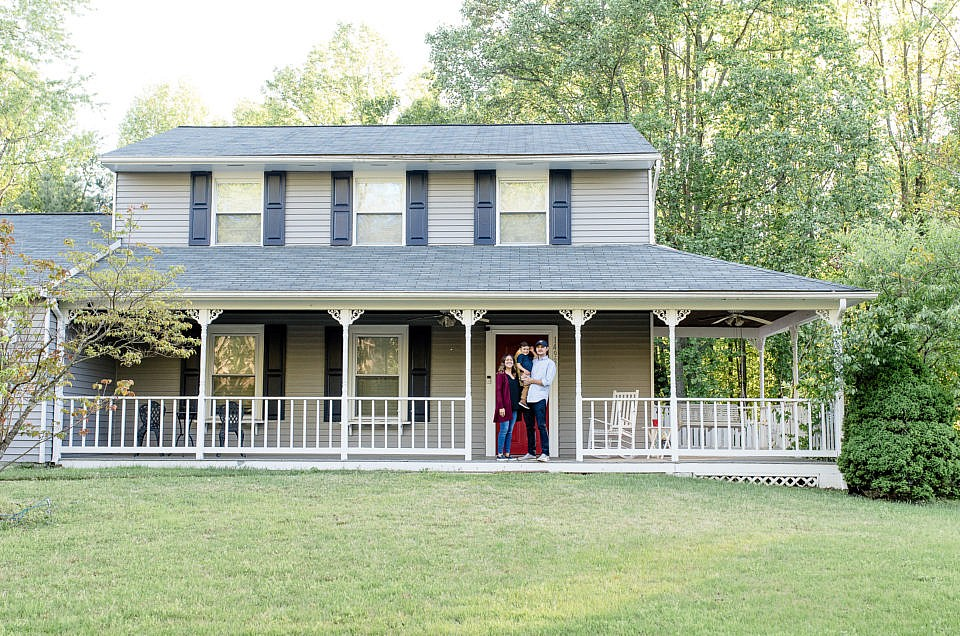 Northern Virginia Front Porch Session Minis | Book Now!